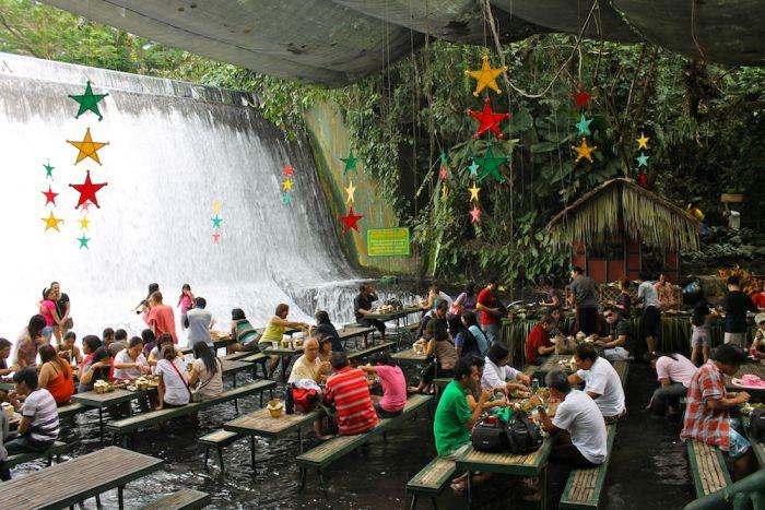 Ресторан у водопада (12 фото + видео)