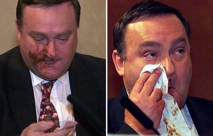 Политики, которых освистали (30 фото)
