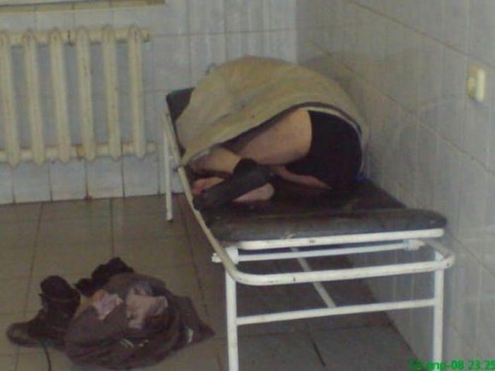 Вытрезвитель в городской больнице (24 фото)
