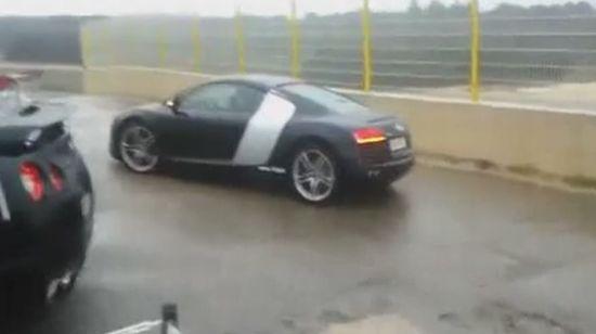 Парковка на новенькой Audi R8 (видео)