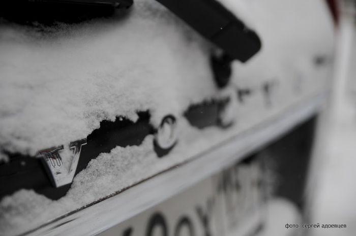 Автомобильные знаки под снегом (45 фото)