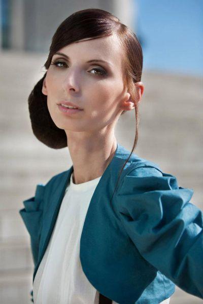 Иоана Спангенберг - модель с шокирующим телом (16 фото + видео)