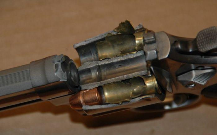 Инцидент с Магнумом 44 калибра (4 фото)
