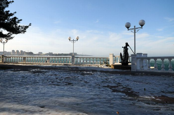 Ураган в Геленджике и Новороссийске (25 фото)