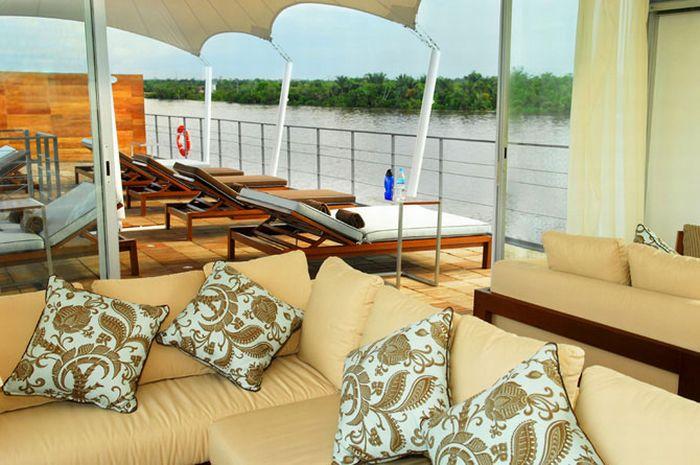 Шикарный плавучий отель Aqua Expeditions (19 фото)