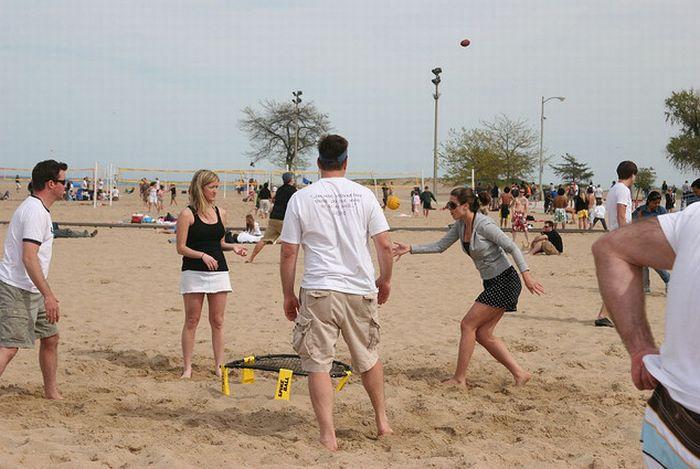 Подвижная игра Spikeball (19 фото)