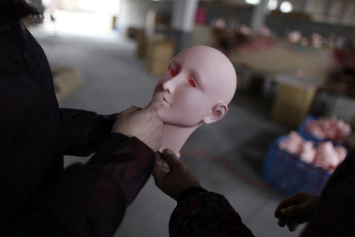 Китайская фабрика секс-игрушек (30 фото)