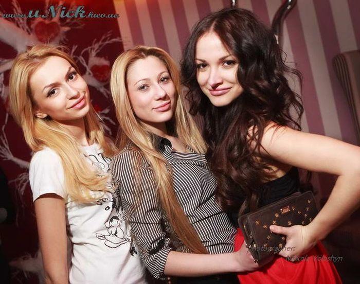 Девушки из киевских клубов (38 фото)