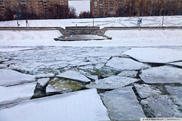 Москва-река зимой (30 фото)
