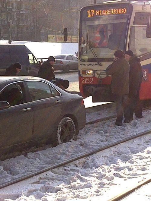 Honda - не трамвай (4 фото)
