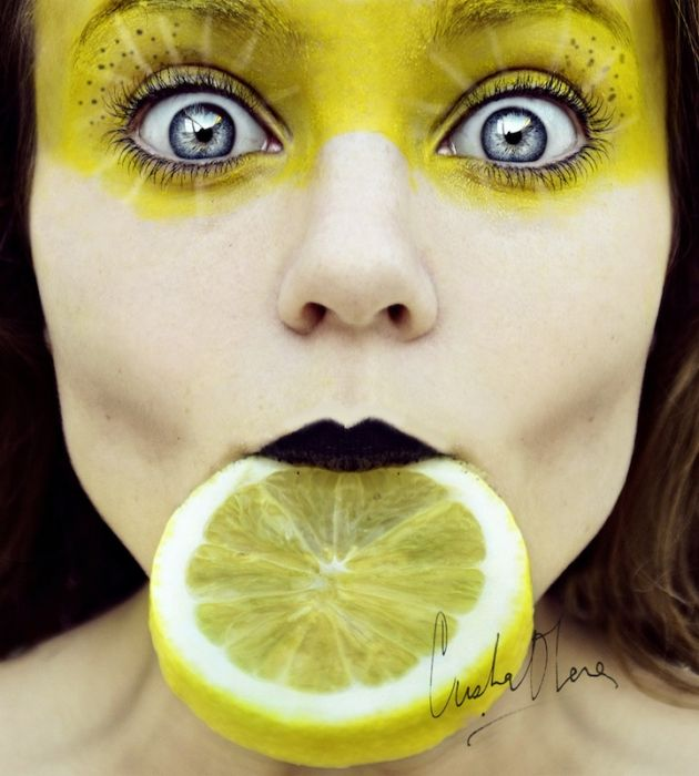Автопортрет 16-летней девушки (13 фото)