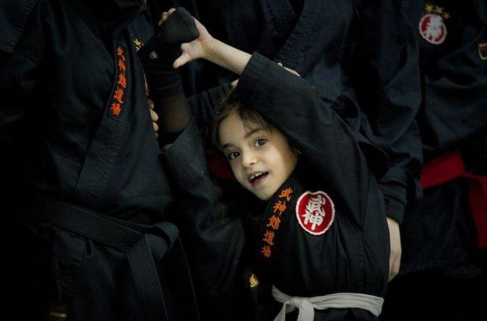Женщины-ниндзя в Иране (15 фото)