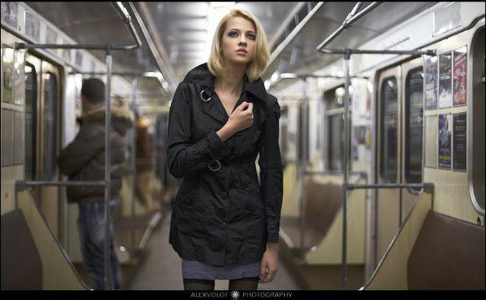 Фотосессия в метро (20 фото)