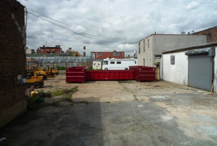 Бассейн из контейнера (13 фото)