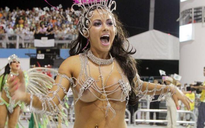 Карнавал в Рио-де-Жанейро с другой стороны (35 фото)