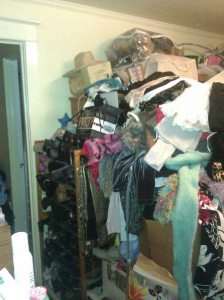 Ужасно грязная квартира (9 фото)