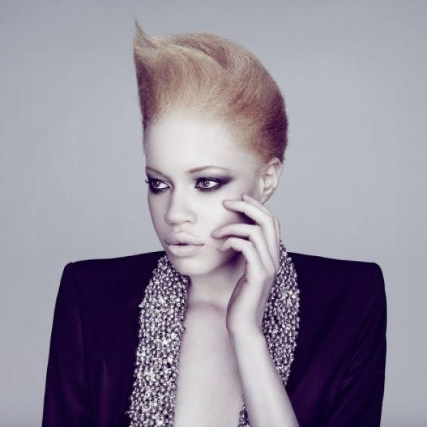 Модель-альбинос (7 фото)