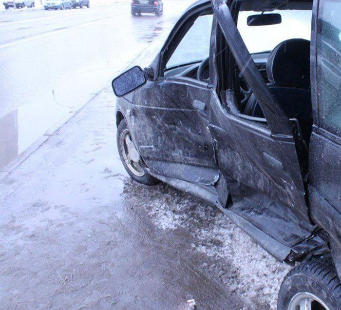 Сын Владимира Жириновского угодил в аварию (6 фото + видео)