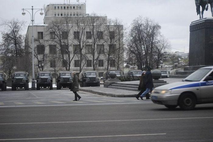 Войска МВД РФ на улицах Москвы (21 фото + видео)