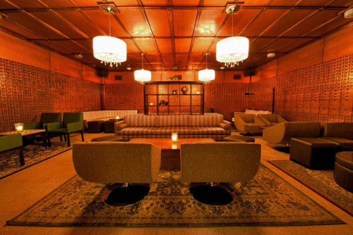 Клуб из банка в Чикаго (11 фото)