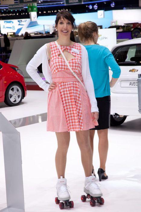Девушки с женевского автосалона. Часть 2 (68 фото)