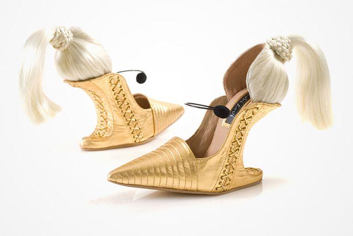 Bu Ayakkabılar Gerçek
