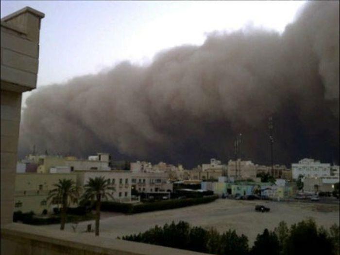 Песчаная буря в Кувейте (7 фото)
