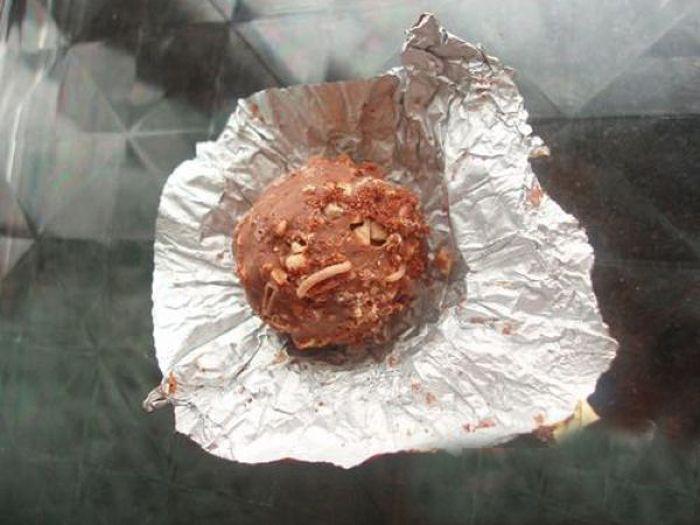 Сюрприз в шоколадных конфетах (8 фото)