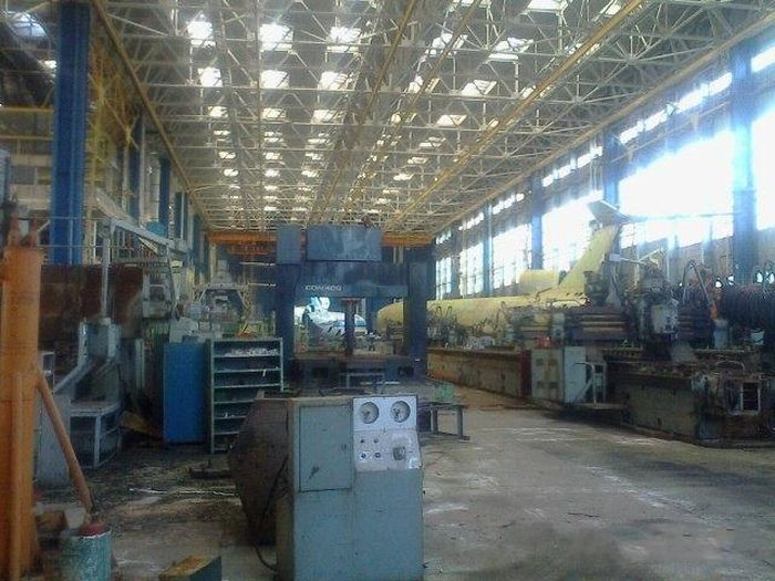 Полузаброшенный завод АВИАКОР (23 фото)