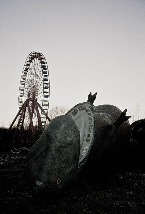 Кладбище динозавров в Восточном Берлине (16 фото)