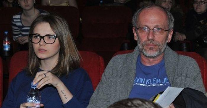 Александр Гордон со своей новой женой (3 фото)