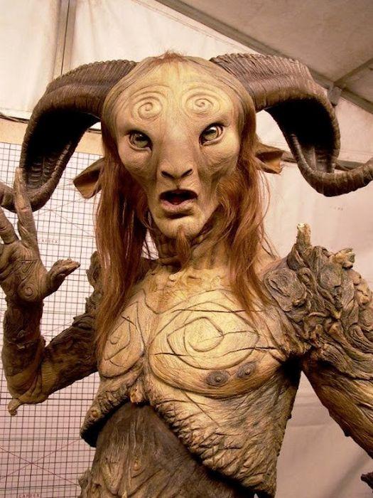 Процесс создания ужасающей маски (28 фото)