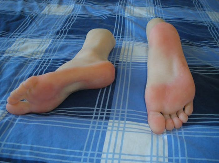 Поддельные ноги (4 фото)