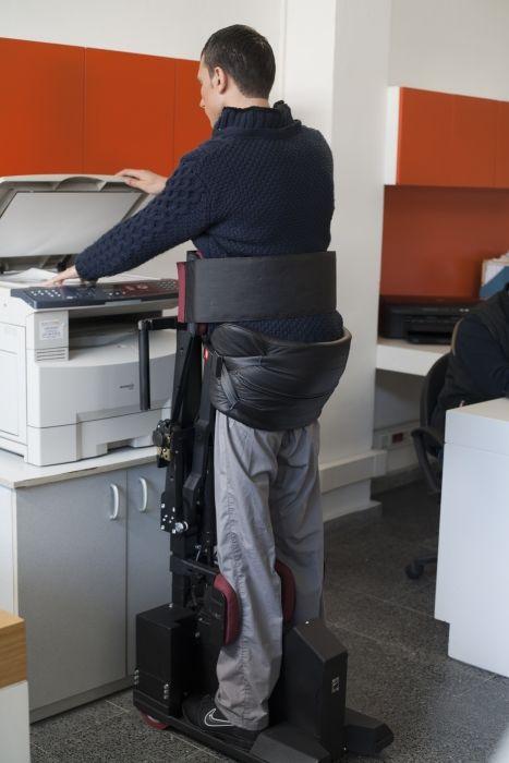 Современное инвалидное кресло (42 фото)
