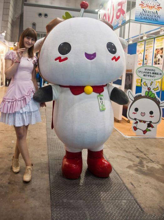 Милые девушки с Токийского Аниме-шоу 2012 (24 фото)