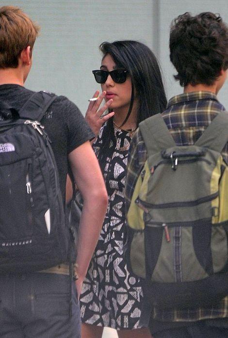 Madonna и ее курящая дочь (5 фото)