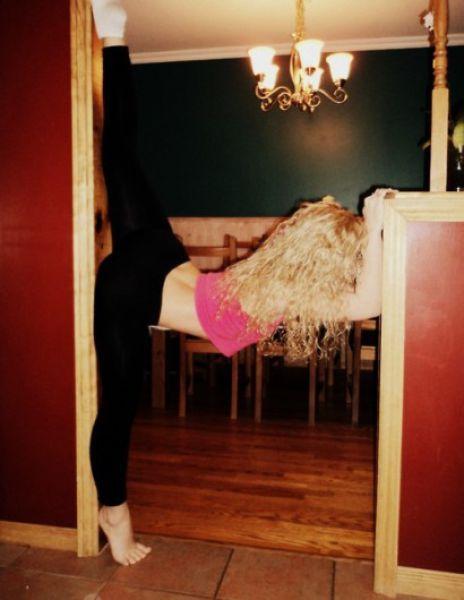 Девушки становятся на шпагат (98 фото)