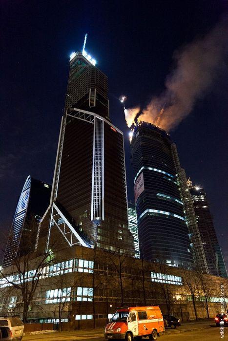 """Пожар в центре """"Москва-Сити"""" (21 фото + 2 видео)"""