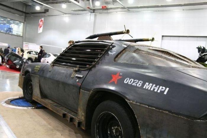 Суровый Chevrolet Camaro (24 фото)