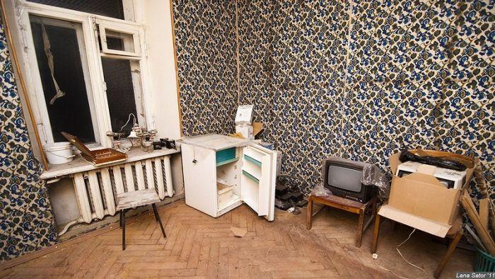 Заброшенный отель в Киеве (40 фото)