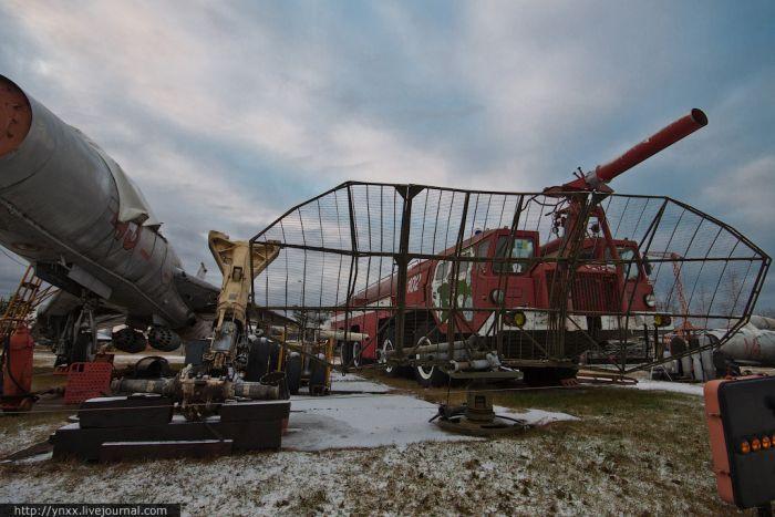 Музей самолетов в Риге (43 фото)