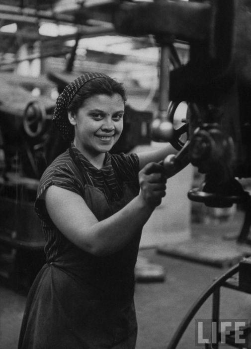 Повседневная жизнь москвичек (52 фото)