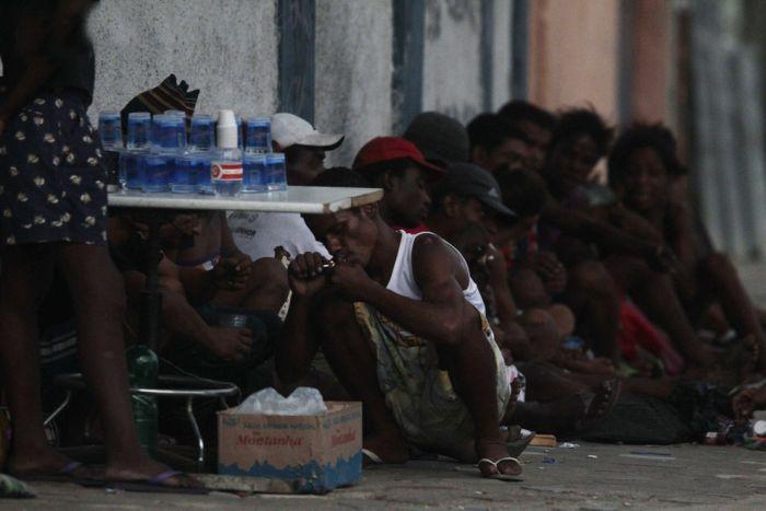 Наркоманы Бразилии (24 фото)