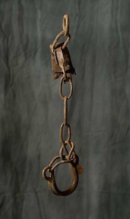 Орудия пыток последнего палача Алжира (74 фото)