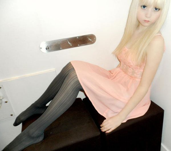 Живая кукла (17 фото)