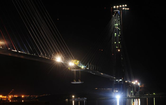 "Мост ""Русский"" сомкнулся (32 фото + видео)"