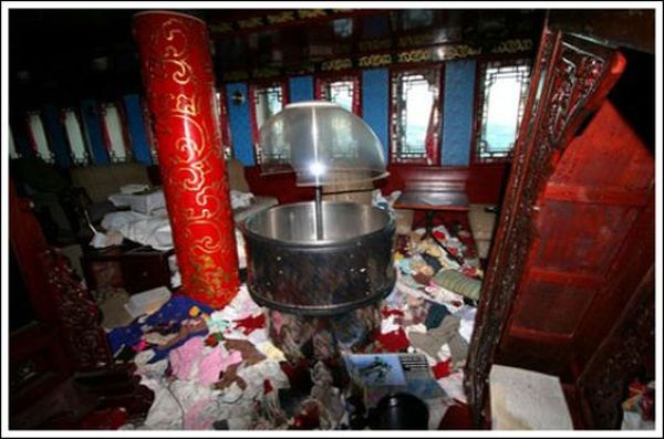 Заброшенный китайский ресторанчик (24 фото)