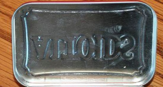 Сюрприз в коробке конфет (2 фото)