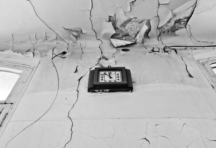 Заброшенный родильный дом (19 фото)