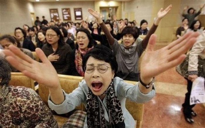 Южная Корея не любит Леди Гагу (8 фото)